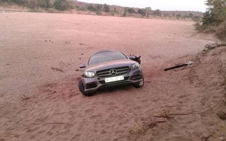 Donkeys drag Merc across the Limpopo