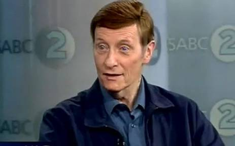 Veteran Afrikaans newsreader Riaan Cruywagen has decided to take on a new challenge.