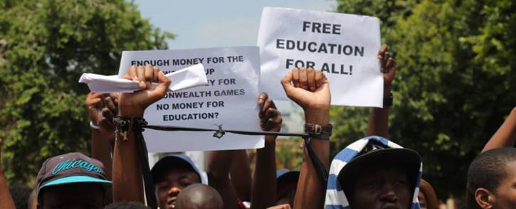 University students marching to the Union Buildings for free, decolonised and quality education on 20 October 2016. Picture: Christa Eybers/EWN