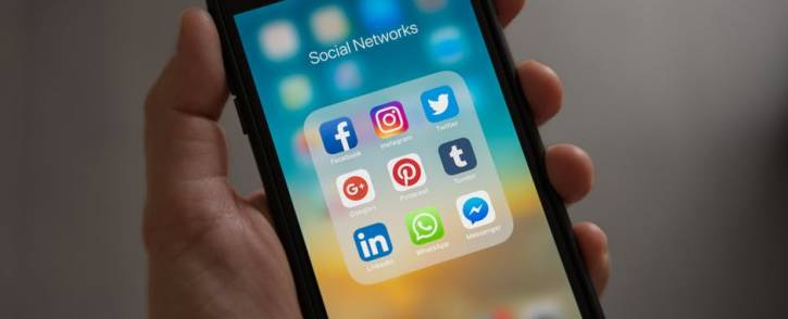 social-media-apps-phonejpeg