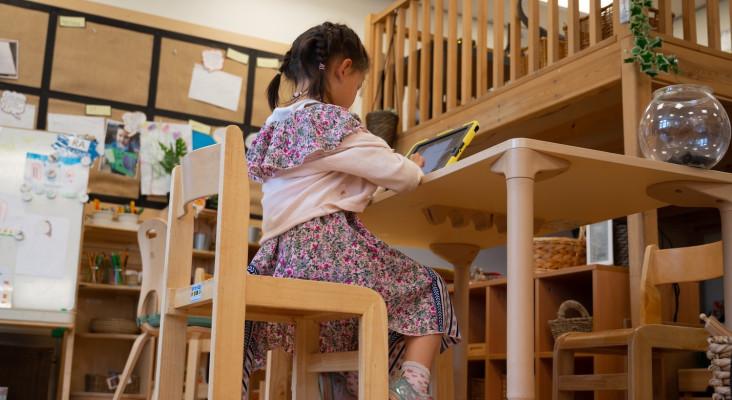 Teacher educates parents on online learning etiquette