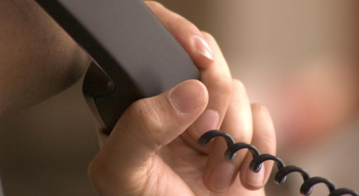 Darren's Prank - will the telemarketer put the phone down?
