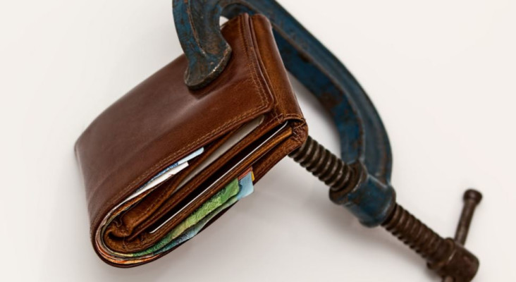13 tips for saving hundreds (nay, thousands!) of rands each month