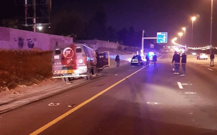 Suspects attempted to rob a cash van on the M1 in Sandton. Picture: @Ambramjee/Twitter.