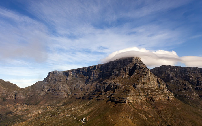 Woman's body discovered on Table Mountain