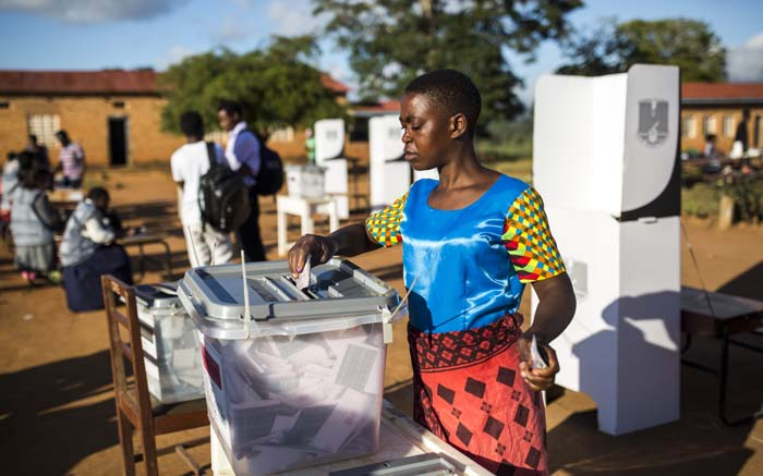 Malawi suspends updates of election results after disputes