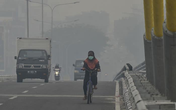 Malaysia raises diplomatic temperature as Indonesia burns
