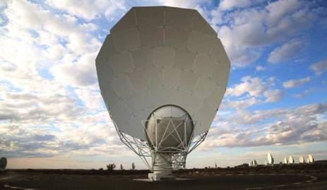 South Africa's MeerKAT Radio Telescope to Help Unlock Mysteries of Universe