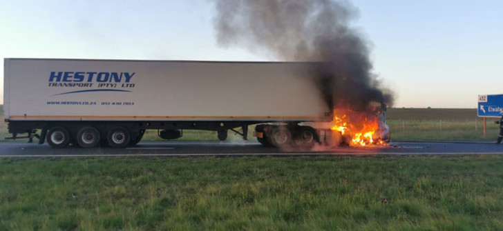 2 trucks on fire in Daveyton, nearby N12 temporarily closed