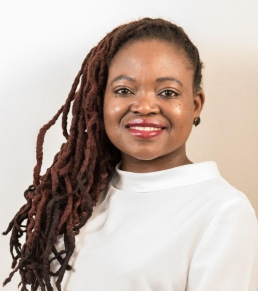 Hulisani chats to author Sue Nyathi