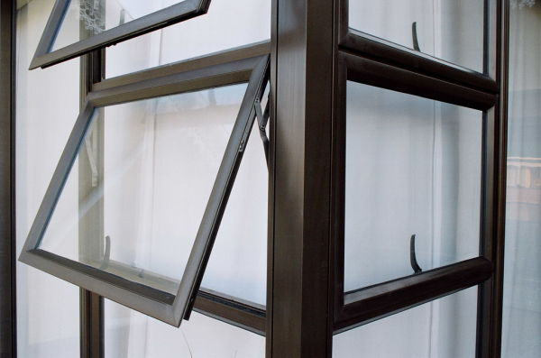 Criminals Targeting Homes With Aluminium Windows Warns