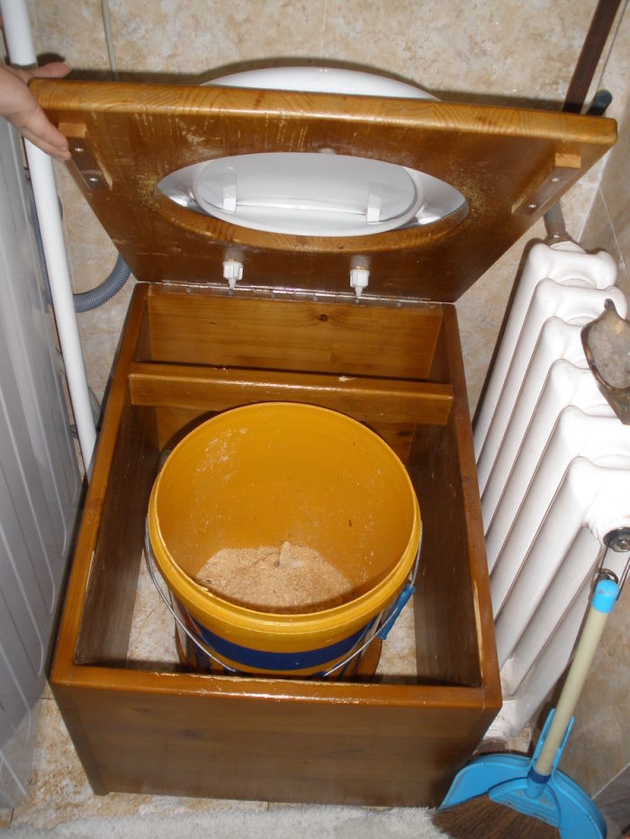 Listen Here S Why A Dry Toilet Is Not Smelly And Works