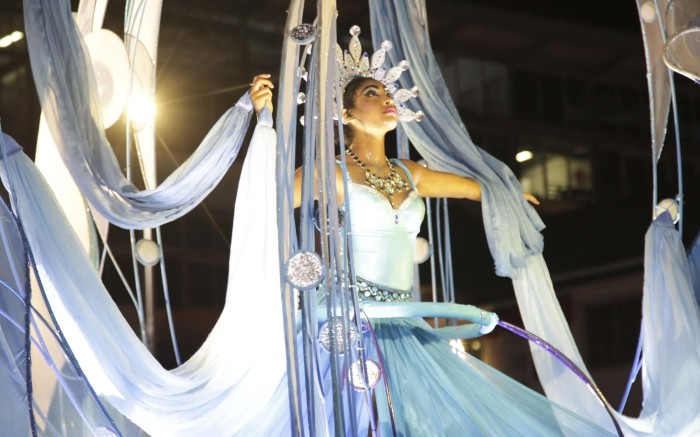 The Cape Town Carnival boasts colorful and lively floats.   Picture: Cindy Archillies/EWN