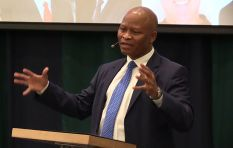 Mogoeng urges legal professionals to crack the whip on transformation