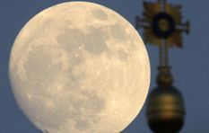 Largest moon in 68 years lights up the sky tonight