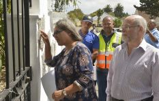 Eek! Cape Town Mayor Patricia de Lille goes door-to-door to scold water-wasters