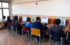 Teen holiday coding courses give kids a head start