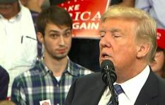 [WATCH] #PlaidShirtGuy removed after pulling faces at Trump rally
