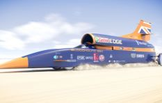 [VIDEO] 'Bloodhound is part supersonic jet, part space rocket'