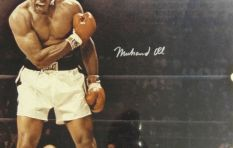 Former boxing champ Brian Mitchell weighs in on Muhammad Ali