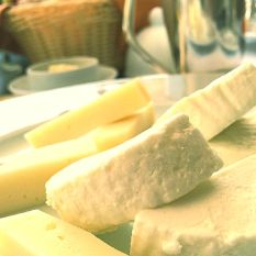 'Fake cheese' on the menu? Wendy Knowler talks dairy product dupes