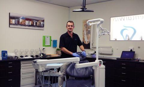 dr_claasen_dentist_chair.jpg