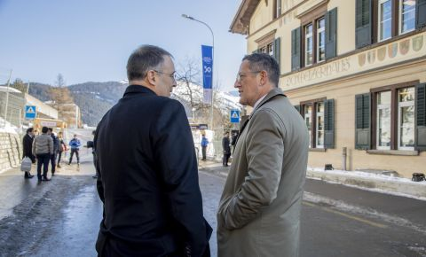 Bruce and CNN business ed Richard Quest in Davos, 2020