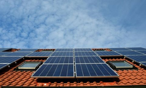 house-roof-solar-panels-electricity-generationjpg