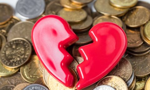 broken-heart-broke-money-coins-finances-love-relationship-divorce-break-up-123rf