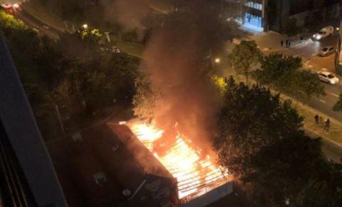 firemans-arm-fire-twitter-imagejpg