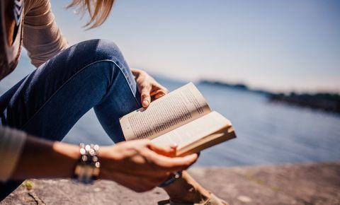 reading-book-summer-holidayjpg