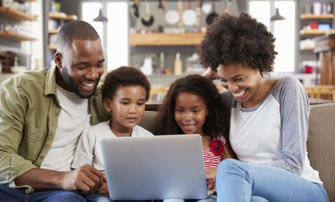 black-family-urban-couple-marriage-parents-children-kids-laptop-technology-123rf