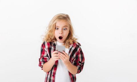 Shocked little girl cellphone internet safety children 123rflifestyle 123rtf