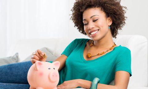 woman-piggy-bankjpg