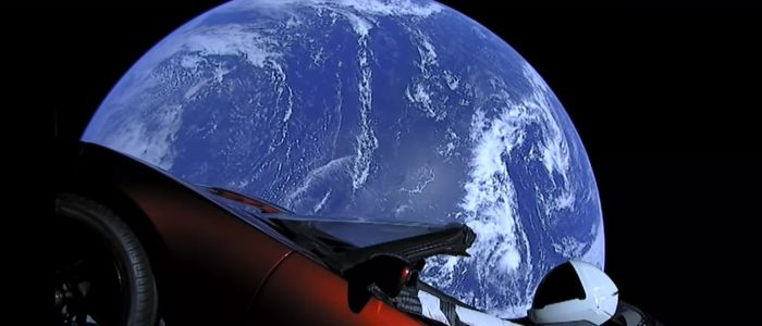 elon-musk-tesla-space-x-falcon-heavy-starman-earthjpg
