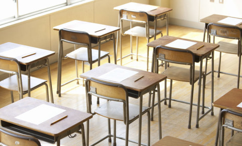 exam-desk-venue-paper-test-school-learner-hall-pupils-123rf