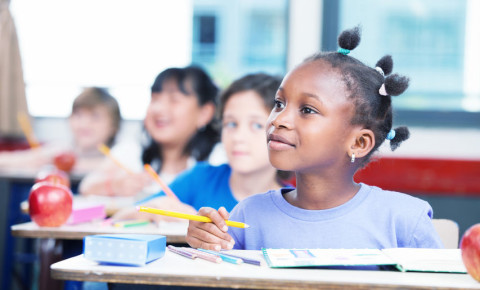 Children in school classroom 123rf