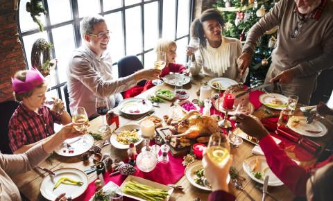 Christmas dinner festive season holidays family friends 123rflifestyle 123rf