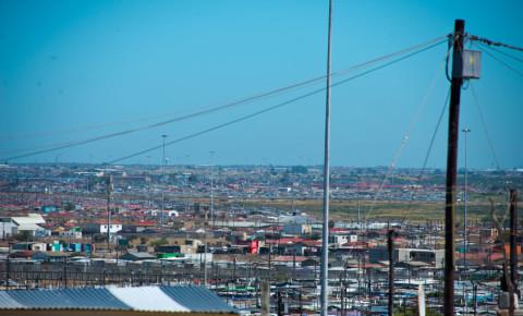 Shacks in informal settlement in Khayelitsha township, Cape Town 123rf