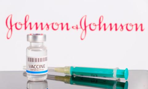 johnson and johnson covid-19 vaccine 123rf
