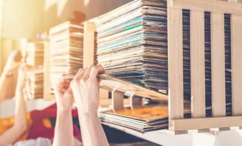 vinyl record sale market second hand 123rf