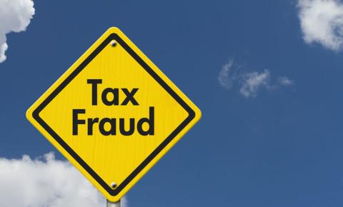 tax fraud 123rf