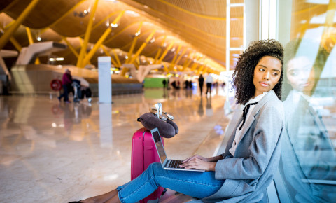Woman at airport travel 123rflifestyle 123rf