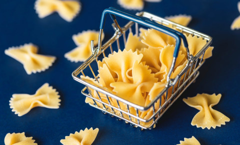 Pasta in a tiny shopping basket