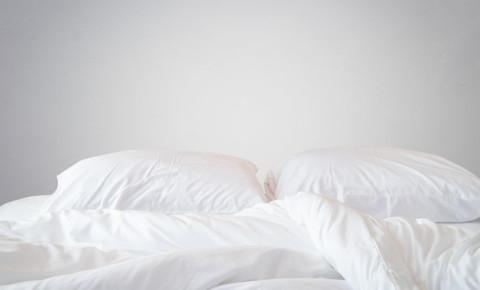 Bed bedding sheets sleep sleeping 123rflifestyle 123rf