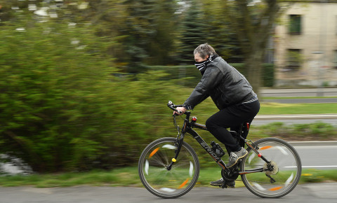cyclist-with-maskjpg