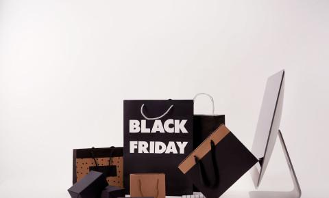 Black Friday shoppers shopping consumerism 123rfbusiness 123rflifestyle 123rf
