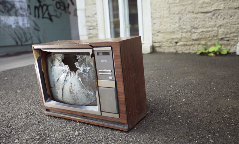 old broken TV television 123rf