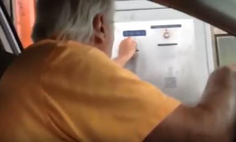 old-man-gets-angry-at-parkingjpg