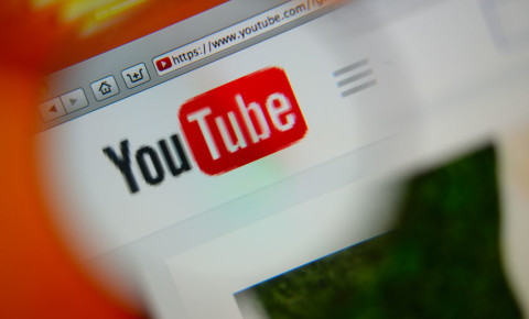 YouTube-social-media-app-video-sharing-online-123rf